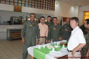 Το προσωπικό του 2ου ΤΕΕΠ, Ο κύριος δεξιά είναι ο κ. PETERS Michael εκπρόσωπος της εταιρίας Martin-Marietta